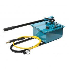 Насос гидравлический ручной в усиленном корпусе(20-700bar,емкость масла-7.5л, длина-740мм,ширина-310мм,высота-330мм)